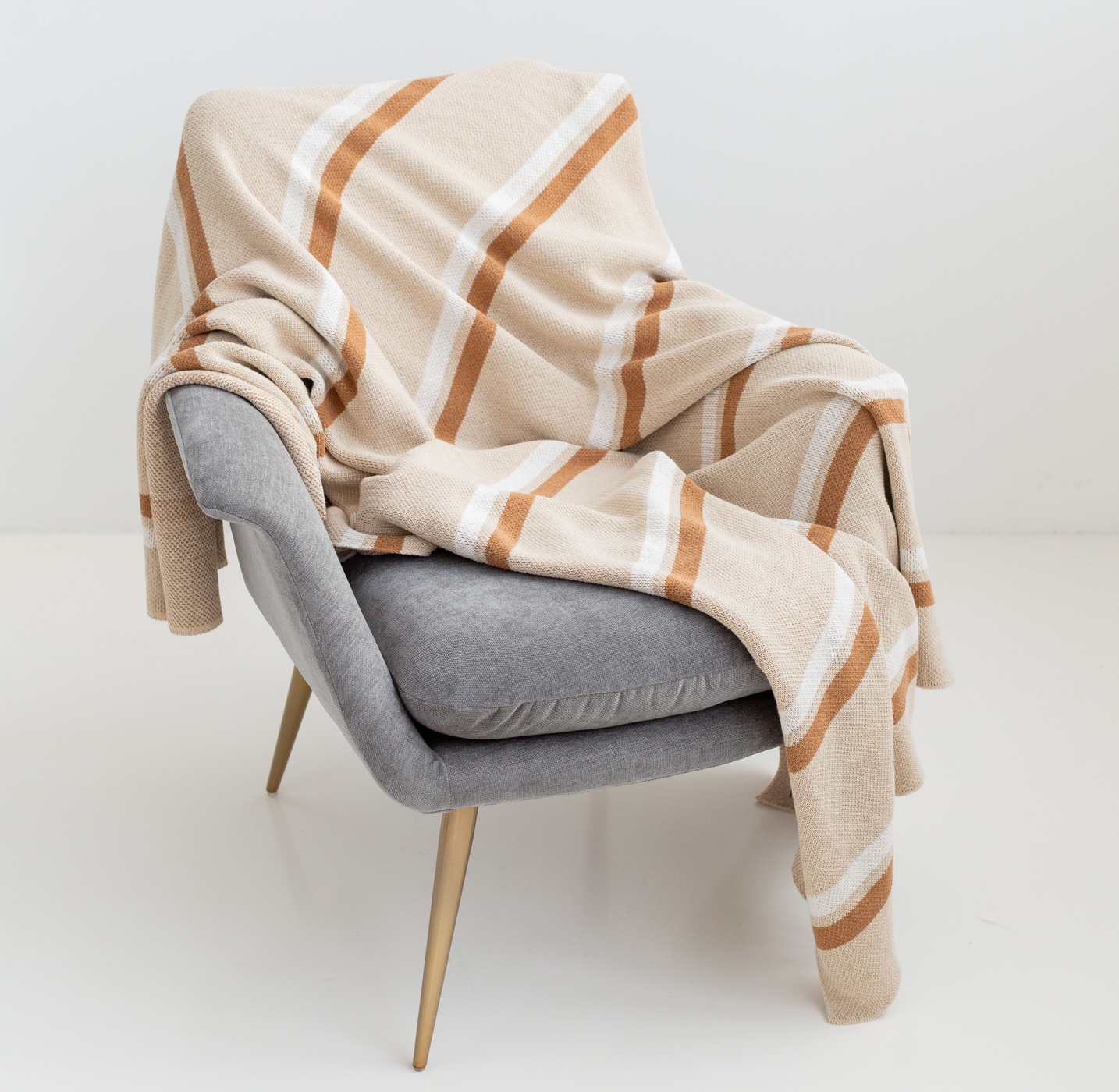 Luxury Natural Throw Blankets Product Photo